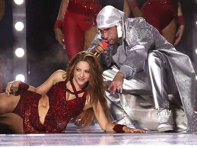 Shakira compartió escenario con Bad Bunny