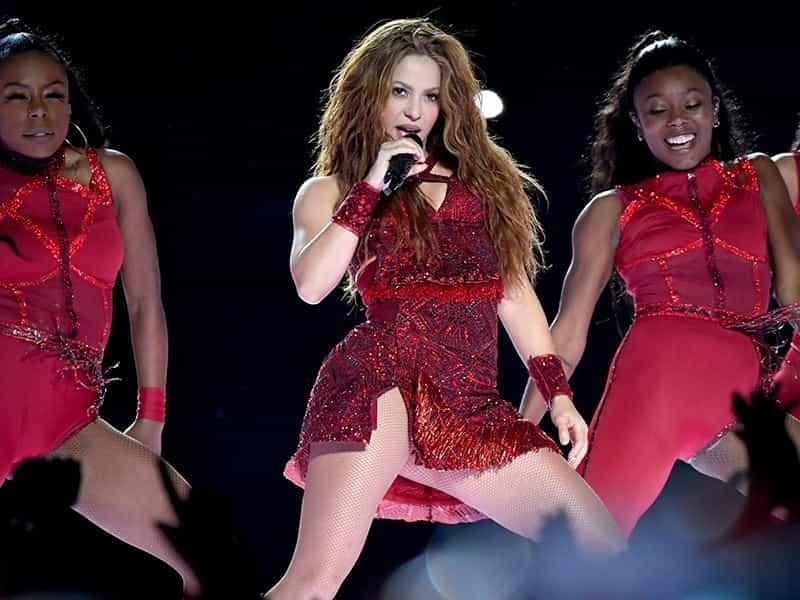 Shakira inició el espectáculo