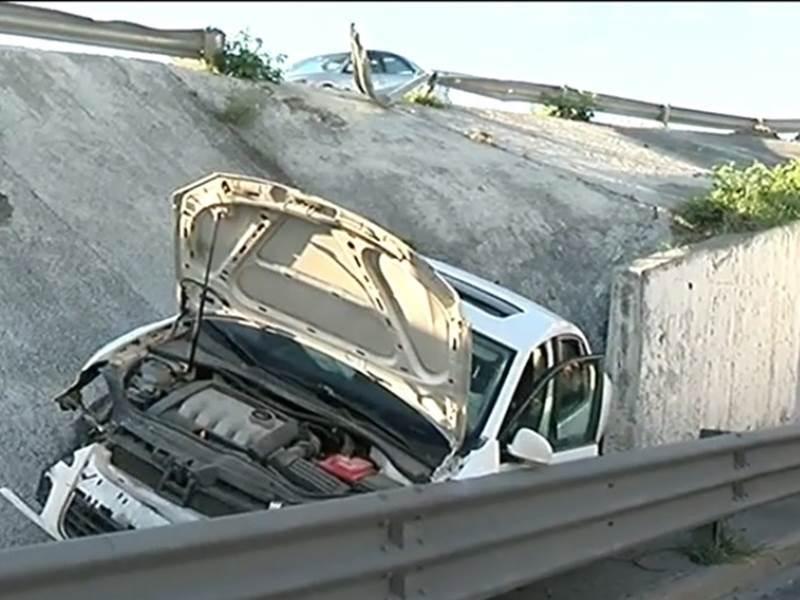 Vuelca automóvil en Guadalupe