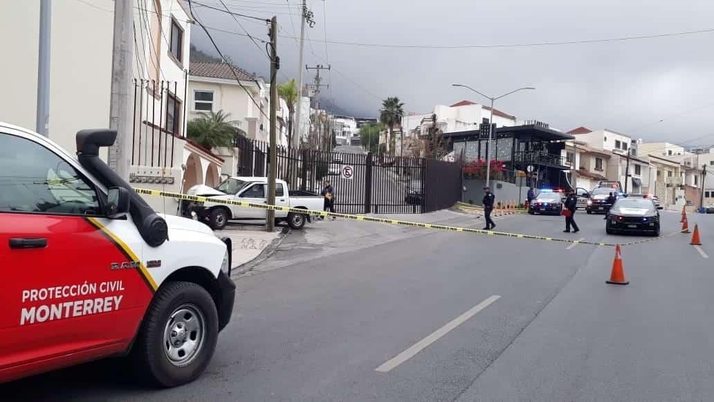 Un conductor se estrelló contra un domicilio donde causó diversos daños.
