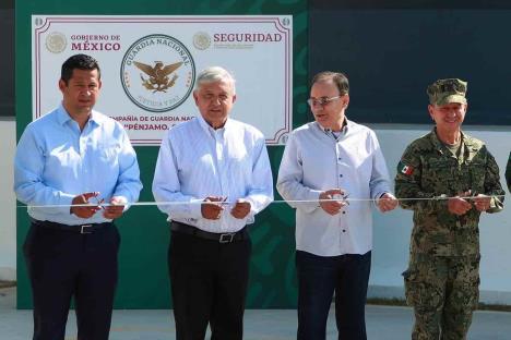 López Obrador inaugura cuartel en Pénjamo