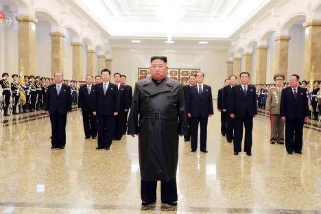 Kim Jong-un hace su primera aparición pública en 22 días