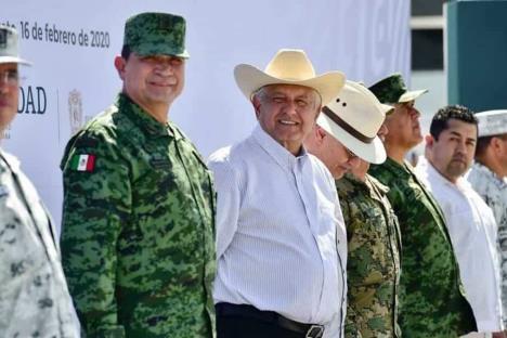 Destaca AMLO construcción de cuarteles de Guardia Nacional