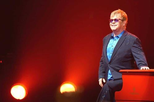 Pretende Elton John concluir gira