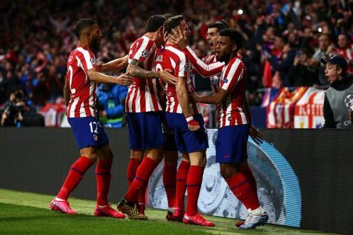 Atlético de Madrid aguanta y se impone a Liverpool