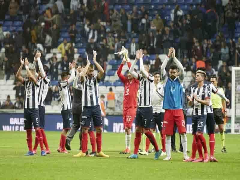 Festejando el pase a las semifinales de la Copa Mx