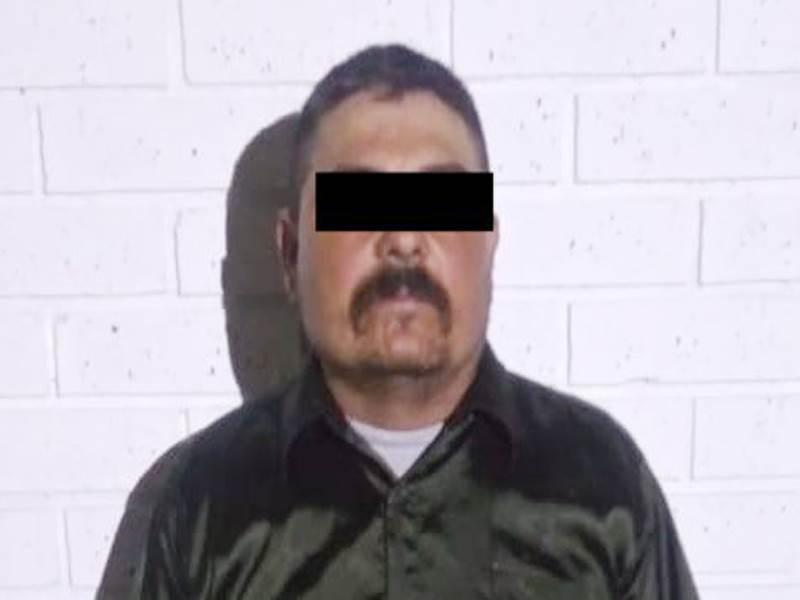 El detenido llevaba un arma de fuego y cartuchos de diversos calibres
