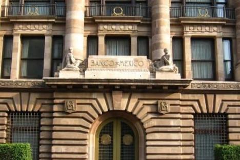 Preocupa al Banxico aumento salarial en México