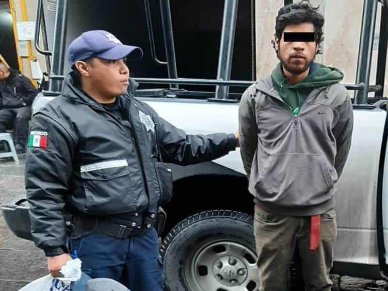 El detenivo viajaba en una moto con reporte de robo
