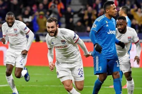 Lyon sorprende a Juve en Champions League
