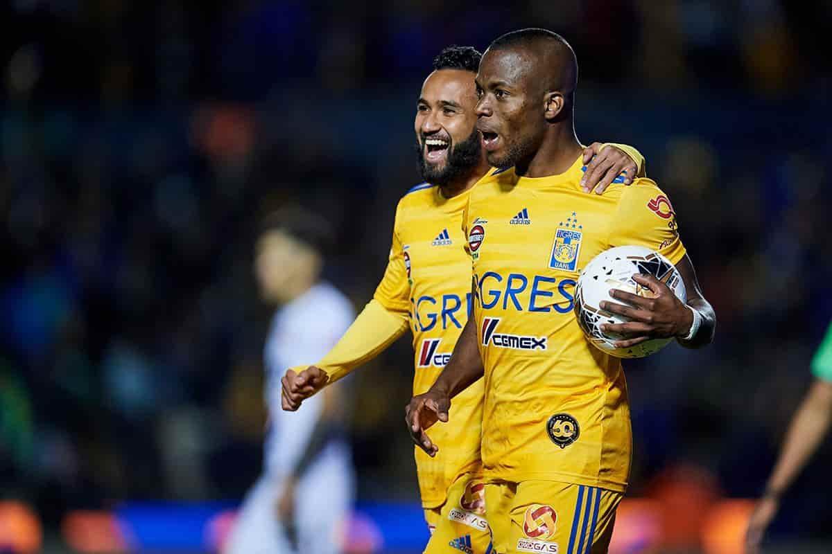 Enner Valencia celebrando su gol