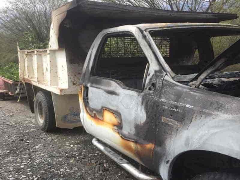 La camioneta se incendió a causa de un corto circuito
