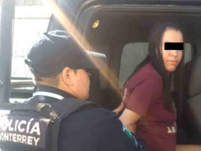 La pareja fue abordada por la policía por estar discutiendo y se les halló droga en sus pertenencias