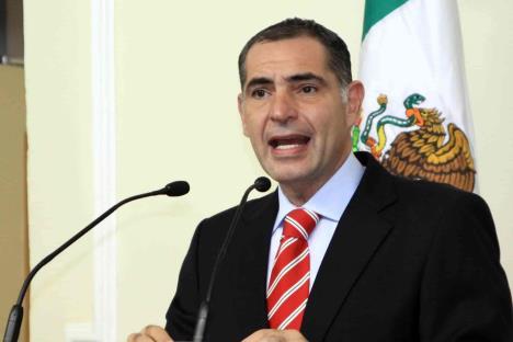 Comparece Gabino Cué por caso Nochixtlán
