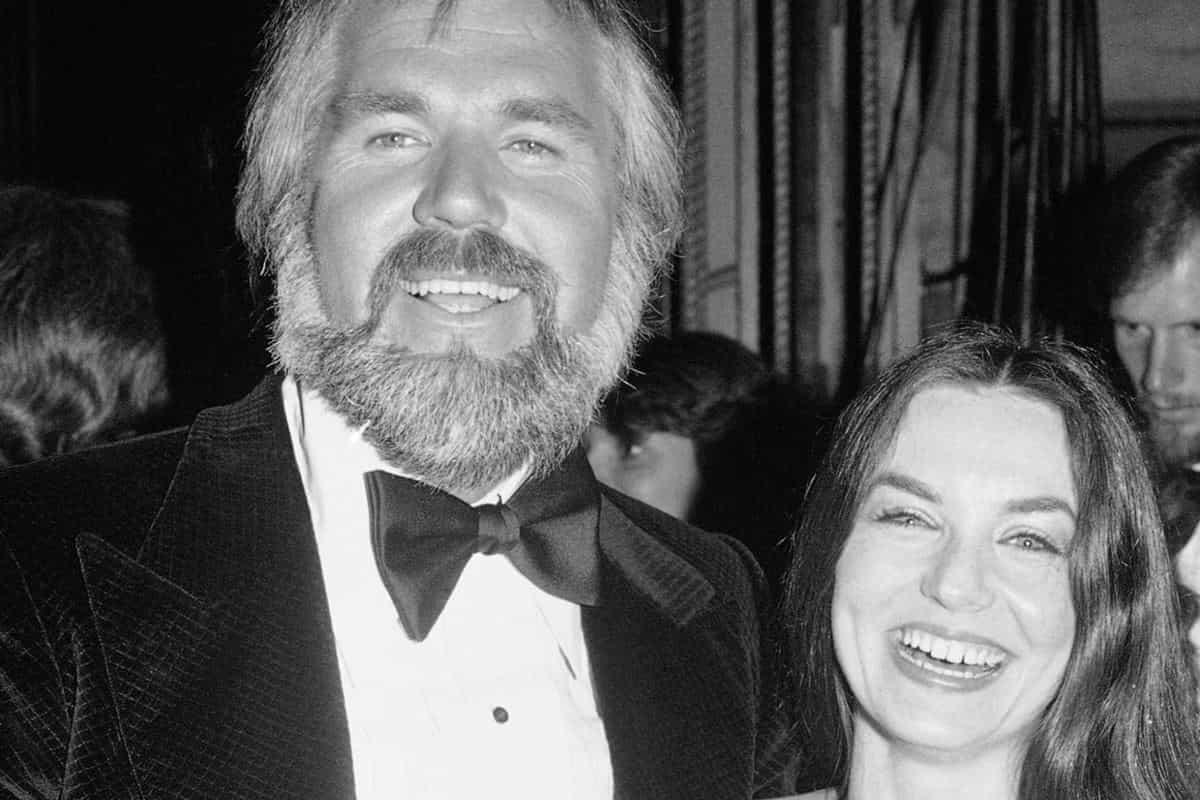 Kenny Rogers y Crystal Gayle se muestran en los Academy of Country Music Awards, 28 de abril de 1978 en Los Ángeles