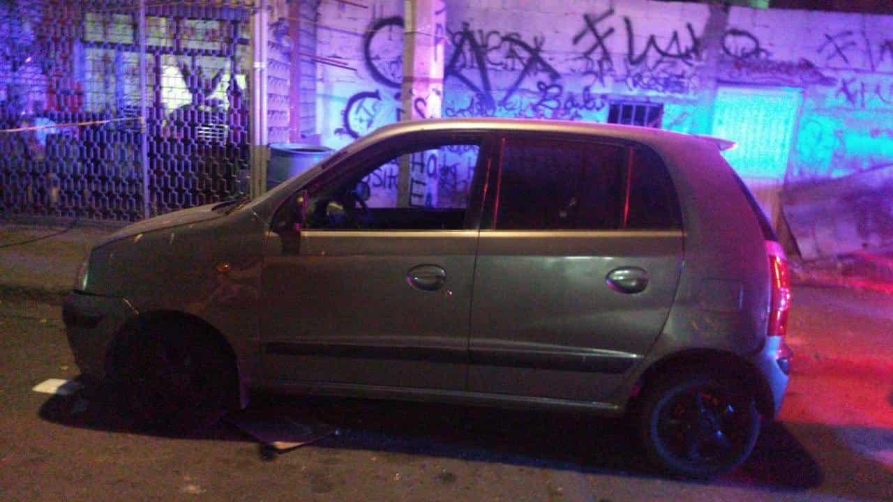 Arrestaron a una persona que viajaba en un vehículo con reporte de robo