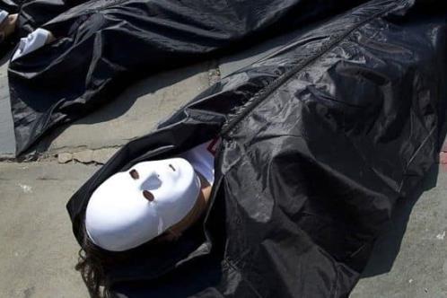 EUA prevé compra de 100 mil bolsas mortuorias