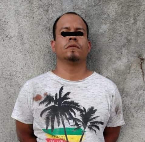 Llevaba un arma de fuego y 86 dosis de cocaína en piedra