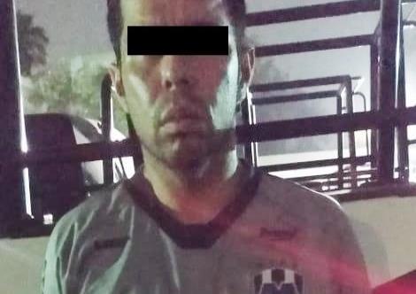 Arrestan a hombre con impresora y billetes falsos