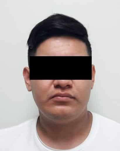 Fue notificado de una orden de aprehensión en su contra por homicidio calificado