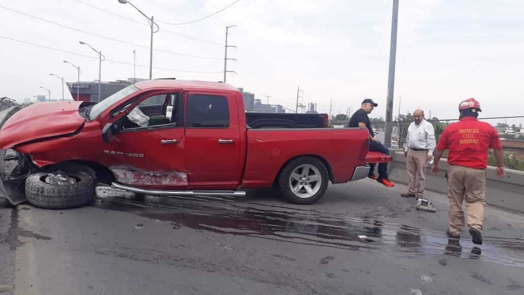 El conductor resultó con diversas lesiones luego de estrellar su camioneta