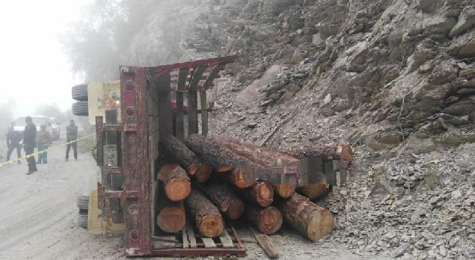 Lograron identificar el cuerpo del hombre que falleció aplastado por varias toneladas de troncos