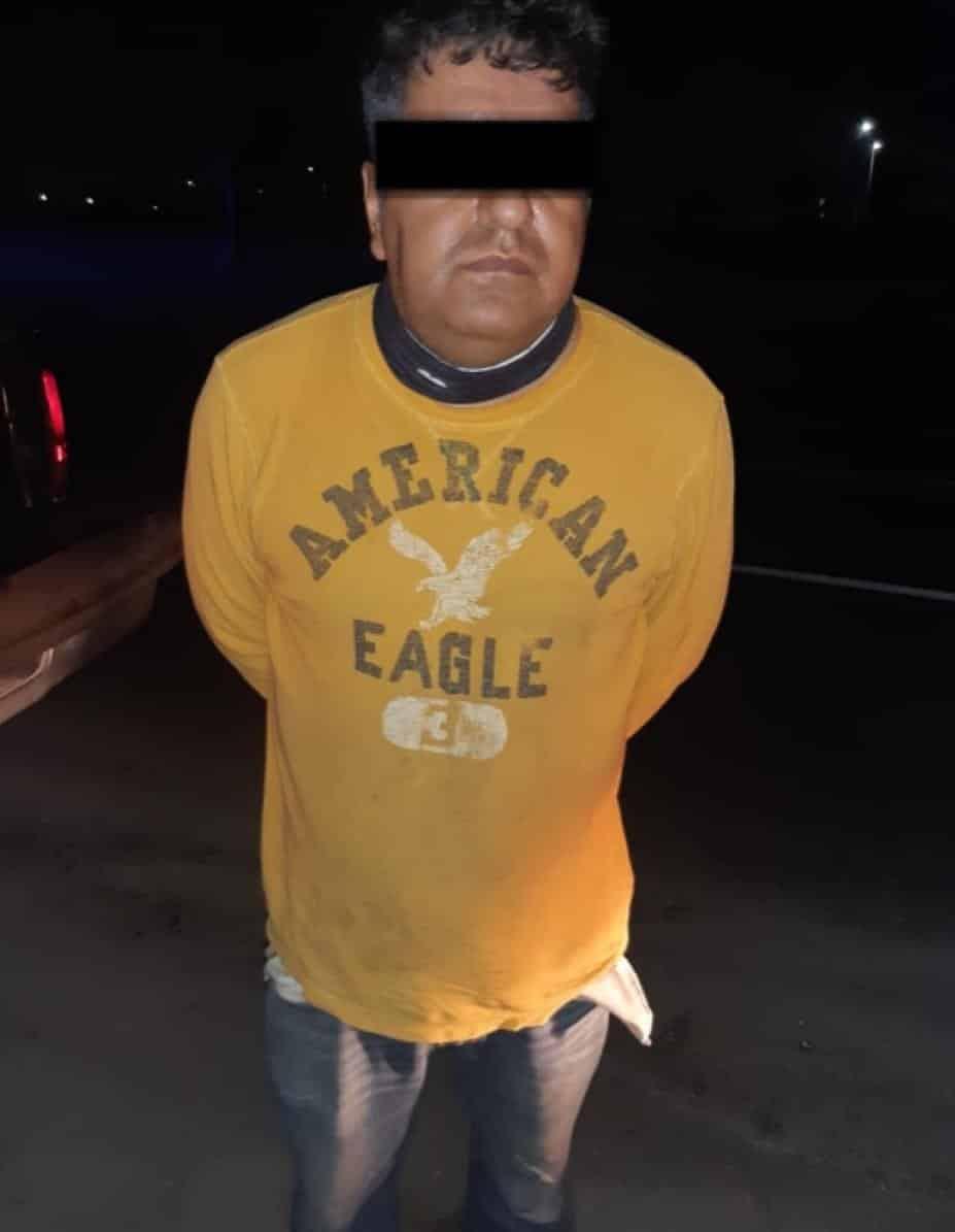 Le encontraron una escopeta y cartuchos hábiles en su vehículo