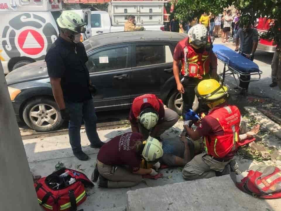 Terminó con lesiones graves, después de recibir una descarga de 13 mil voltios
