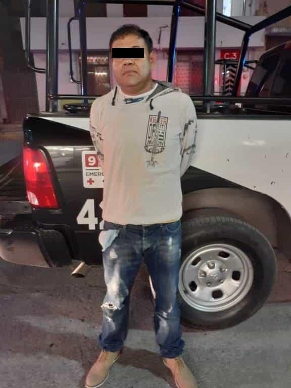 Lo arrestaron con 24 de latas de cerveza que robó de una tienda