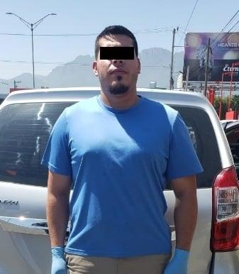 Conducía un Toyota Avanza con reporte de robo
