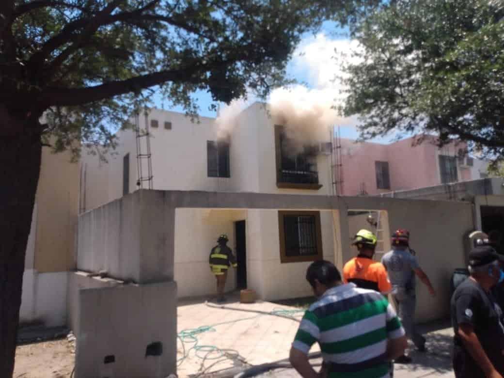 Un corto circuito en un clima, provocó el incendio en la segunda planta de un domicilio