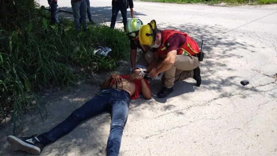 Resultó con diversas lesiones al ser impactado por una camioneta