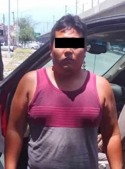 Lo detuvieron porque que conducía   una camioneta con reporte de robo