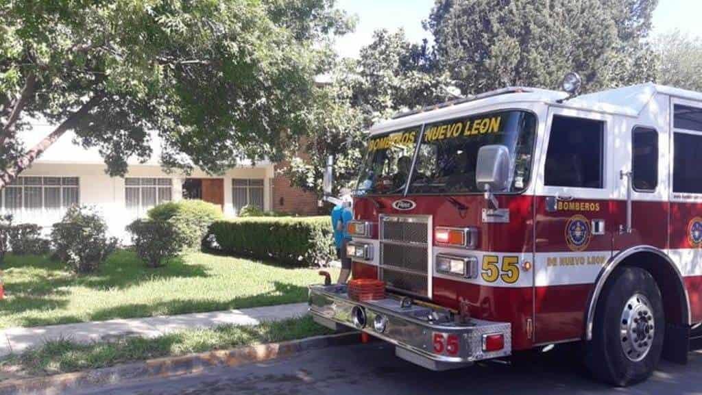 La mujer de la tercera edad sufrió diversas quemaduras al terminar atrapada en el incendio