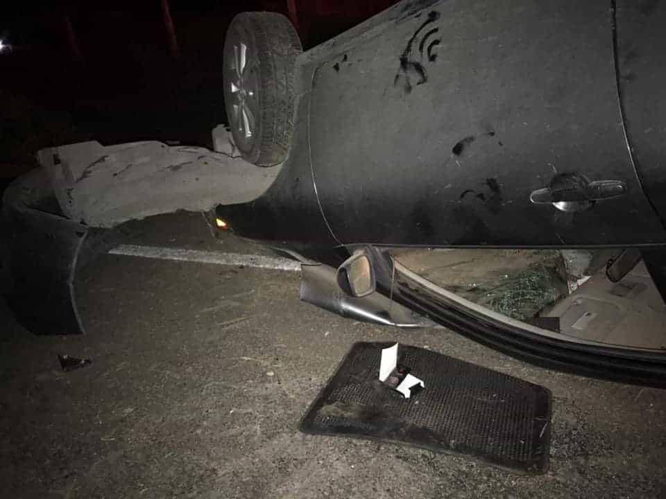 Se reportó la volcadura de un automóvil en un tramo del municipio de Montemorelos