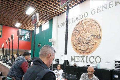 Reanudan actividades en consulados de México en EU