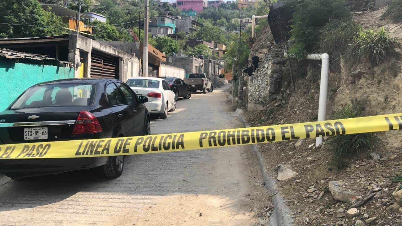 Los peritos revisaron tanto el cadáver como la zona de los hechos en busca de alguna evidencia