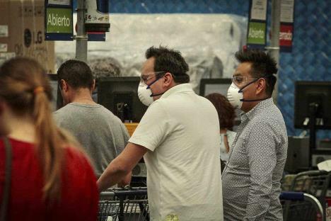 Confianza del consumidor reporta peor caída en su historia