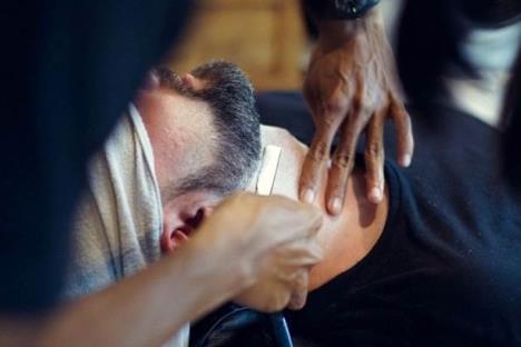 Piden evitar uso de barba y bigote por Covid-19