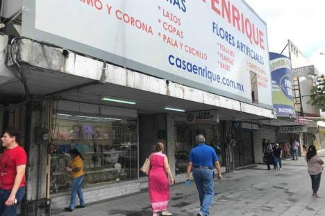 Reanudan actividades comerciales en Monterrey
