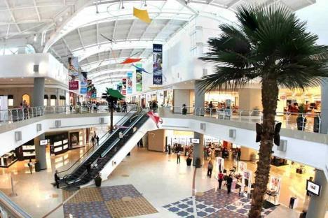 Inicia reactivación con suspensión de negocios en plazas