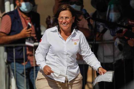 Exentan a México de recortar producción de crudo un mes