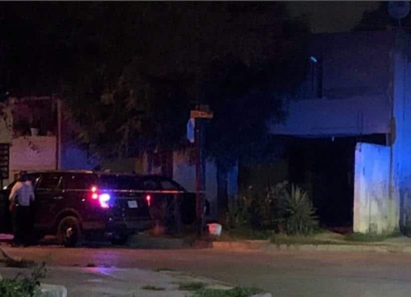 Hombres armados ingresaron a una casa de San Nicolás, donde atacaron a cuatro personas que convivían