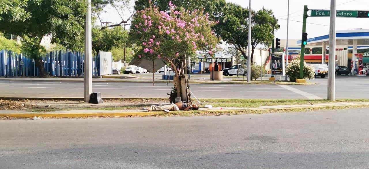 El cadáver de un hombre al parecer en situación de calle, fue encontrado en Avenida Madero