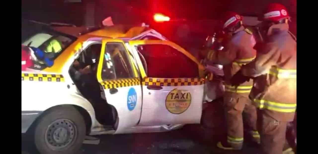 El taxista falleció luego de estrellar su unidad contra un muro de concreto