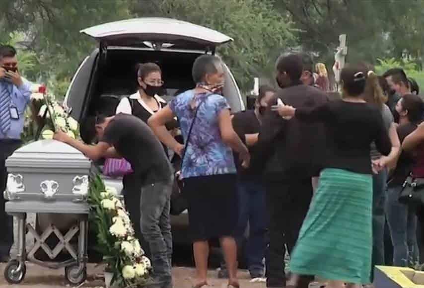 Mónica Segura Temich fue sepultada en el Panteón San Jorge luego de ser velada en una funeraria