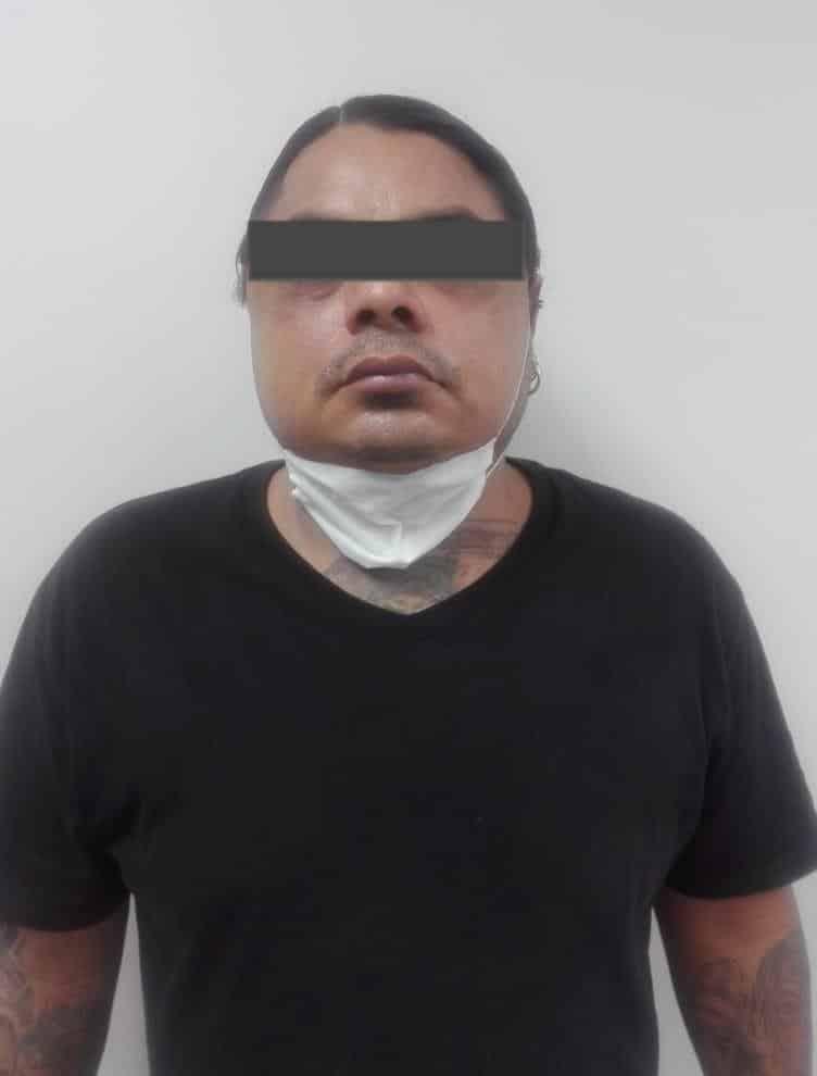 """Un """"brujo"""" de un herbario, fue detenido por violación y equiparable a la violación contra una clienta"""