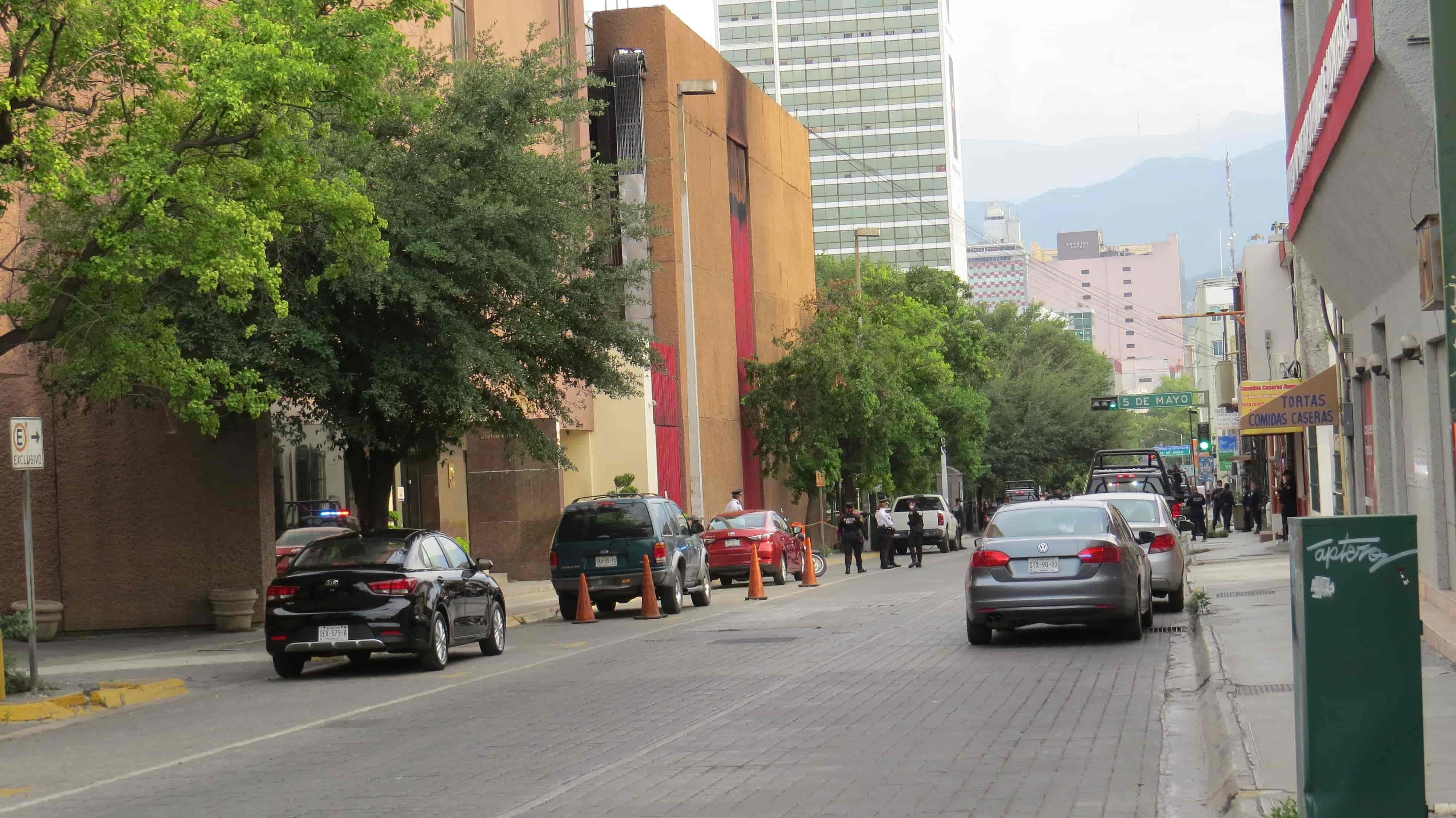 Se reportaron detonaciones de arma de fuego frente a ese edificio