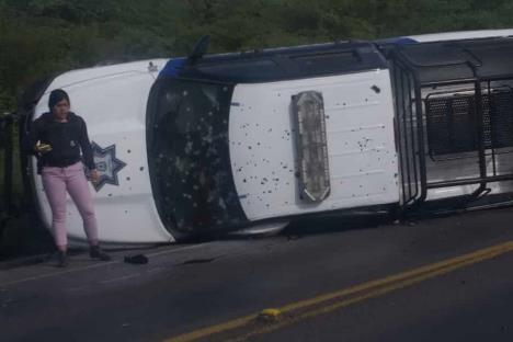 Emboscan y asesinan a otros 5 policías en Guanajuato