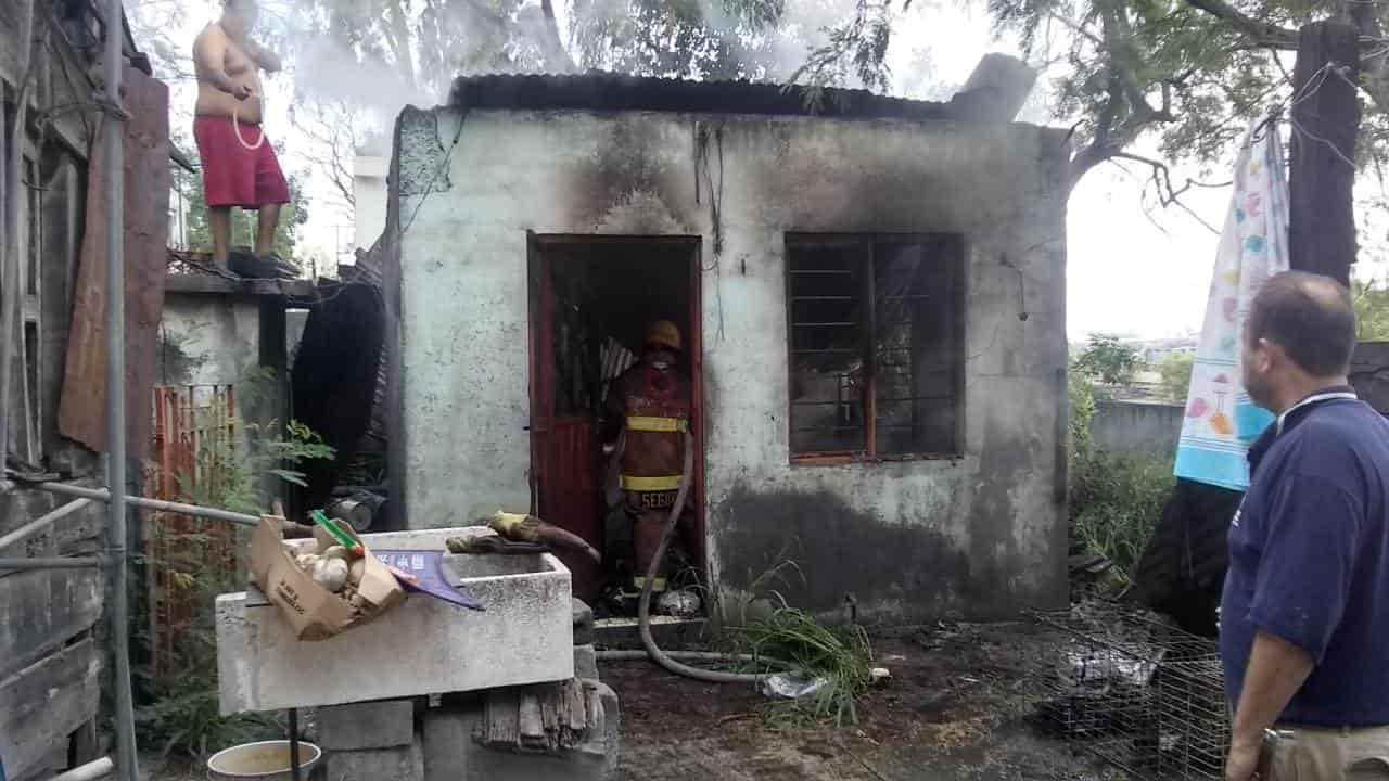El incendio se reportó en una vivienda en la Niño Artillero